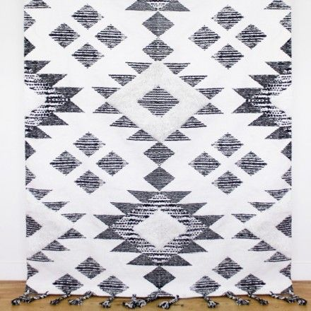 NEW Soft Hand Tufted Rug Ex Large 1900 x 1300