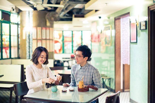 Love in the Little Things | Casual | Outdoor | Restaurant | Beach | Pre-Wedding | http://brideandbreakfast.hk/2015/07/22/love-in-the-little-things/