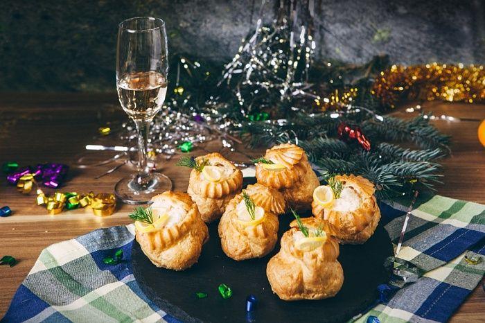 Шу с сырно-крабовой начинкой и яблоком - пошаговый рецепт приготовления с фото