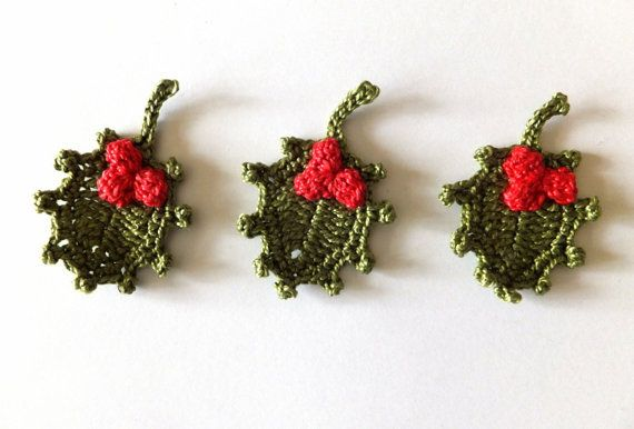 Christmas holly crocheted applique, red berries, green leaves, winter wedding favors, decorations /set of 3/