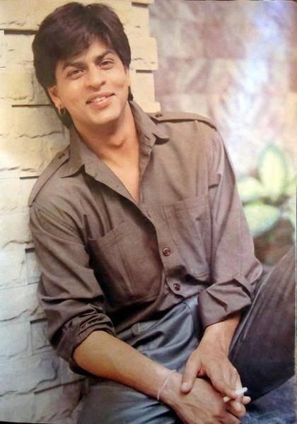 Shahrukh Khan on set of Chaahat (1996) Twitter / Marina203: @Olivia García García García García Gulino