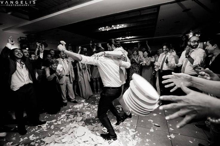 #PyrgosRestaurant #santorini #wedding #panoramahall #panoramicview #skycolors #sunset #welcomedrink #weddingreception #weddingday #pyrgosvillage #caldera #greekislands #weddingdestination #thira #entertaiment #happycuple #fanny #memories #sanfotinihall #ceremony #weddingceremony #weddingreception