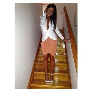 Helina VM looking ever so chic in her Twist Front Top and Curved Hem Skirt #snap