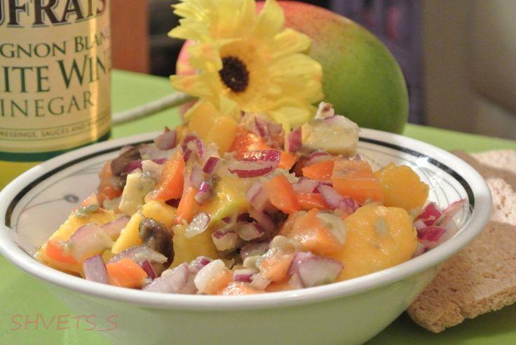 сальса из манго и авокадо с луком