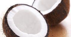 El aceite de coco es un todo un multitarea para la belleza natural. Disponible en cualquier estante de la tienda de comestibles este aceite versátil y de uso común en la cocina saludable, también se puede incorporar a un régimen de cuidado de la piel libres de químicos gracias a sus propiedades ...