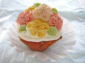 マシュマロフォンダンのお花でケーキ2
