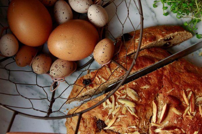 Celozrnný mazanec s chia (bez mouky a vajec)
