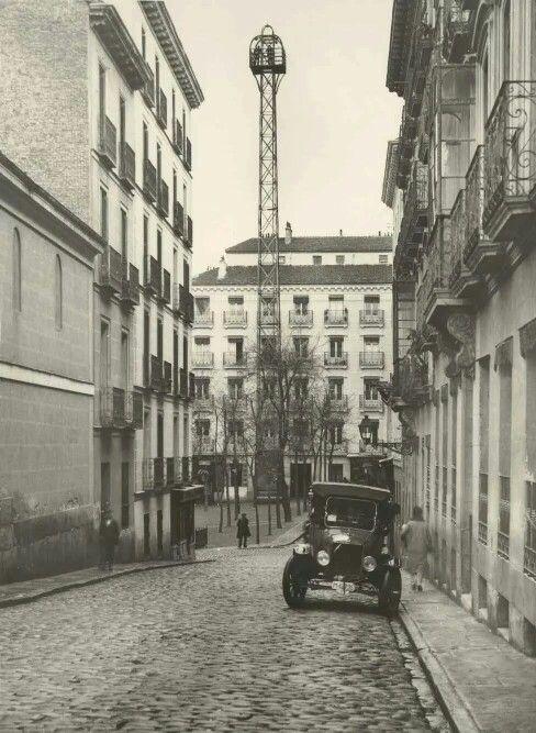 Plaza de Chueca desde la calle de San Gregorio.