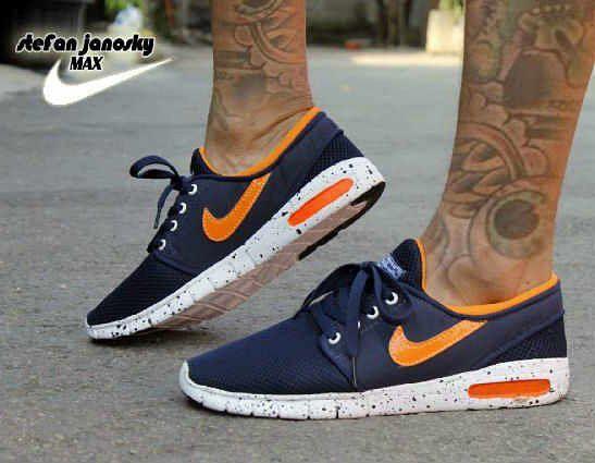 Untitled Sneakers Nike Sneakers Nike Free