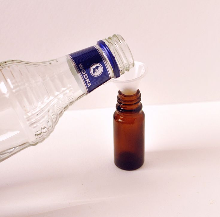 Einfaches Parfum herstellen aus ätherischen Ölen