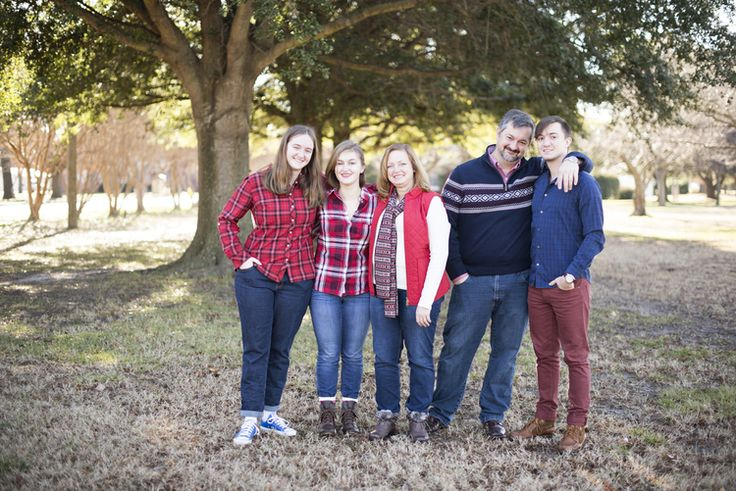 Use one color as a base for the ladies, and one for the guys (example here: red plaid for girls, blue for guys). Make sure they complement each other