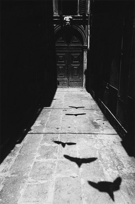 wonderfulambiguity:  Ikko Narahara, from the series: 'Where Time has Stopped', Venezia, 1964