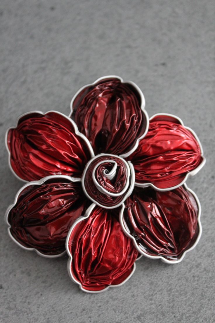Barrette ou broche Nespresso Rouge et Bordeaux