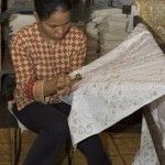 behind the scene / Hinter den Kulissen. Batik handmade