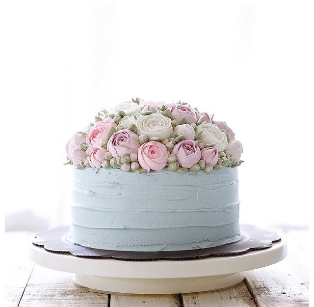 Pastel Buttercream flowers cake