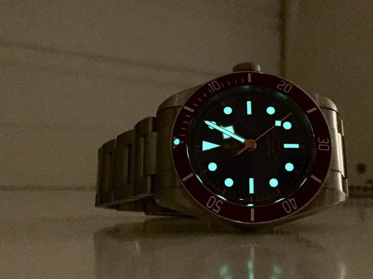 FINN – Tudor BB Red