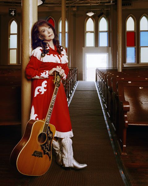 Coal Miner's Daughter - Loretta Lynn. I love her outfit!