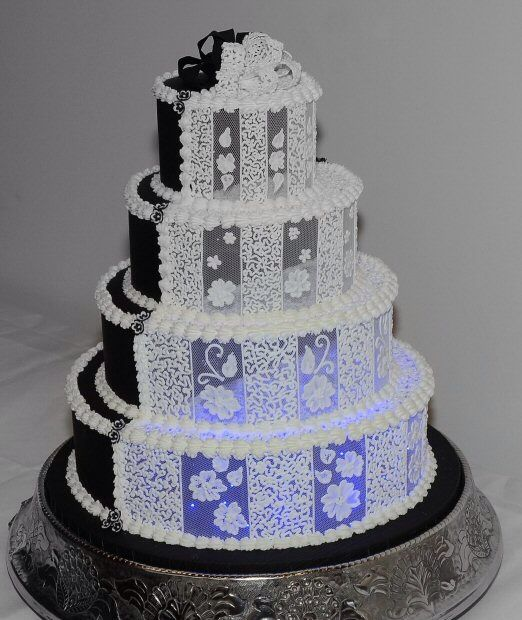 wedding cake averages 14 best far from average images on weddings 21766