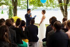 Interkulturelle Hochzeit am Starnberger See  #hochzeit #wedding #couple #münchen #starnberger #see #bayern #interkulturell #brautpaar #interkulturell #blog #freie #trauung #strauß #fliege