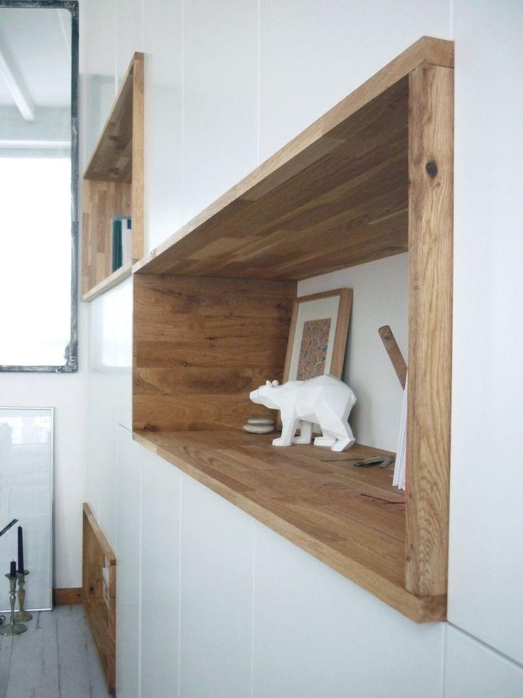 Mur rangements blanc bois scandinave | design, décoration, intérieur. Plus d'dées sur http://www.bocadolobo.com/en/inspiration-and-ideas/