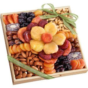 #foodiegift Golden State Fruit Flora Dried Fruit and Nut Gift Tray by Golden State Fruit #fruitgift - See more at: http://foodiegiftsnow.com/grocery-gourmet-food/gourmet-gifts/golden-state-fruit-flora-dried-fruit-and-nut-gift-tray-com/#sthash.x0XyY7wV.dpuf