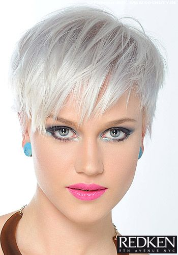 Fransiger Short Cut In Platin Blond Pixie Frisuren