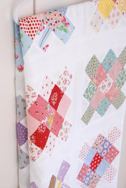 messy jessie's adorable gs quilt topHandmade Quilt, Granny Quilt, Quilt Ideas, Quilt Block, Granny Squares Quilt, Beautiful Quilt, Gs Quilt, Quilt Tops, Tops Finish