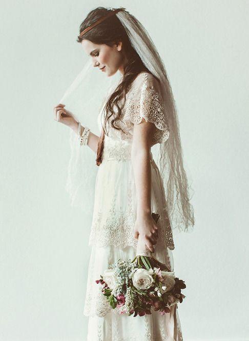 結婚式の花嫁の主役はドレスです。そのドレスを最大限に素敵に引き立ててくれるのがブーケ。見た目も綺麗で一生記憶に残る素敵なブーケを持ってみませんか?可愛いデザインを紹介します。