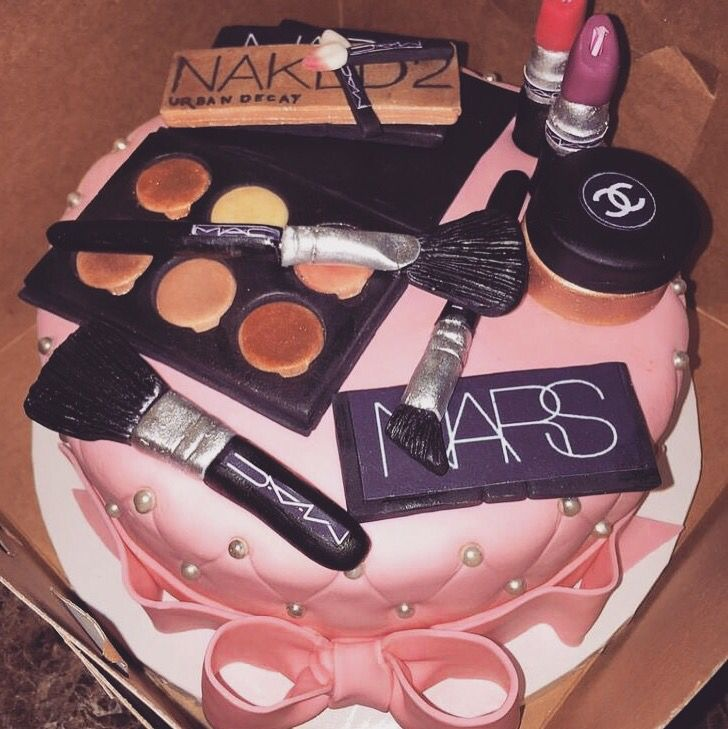 Pin By Cassidy Englert On Birthday Ideas Cake 19th Cakes And
