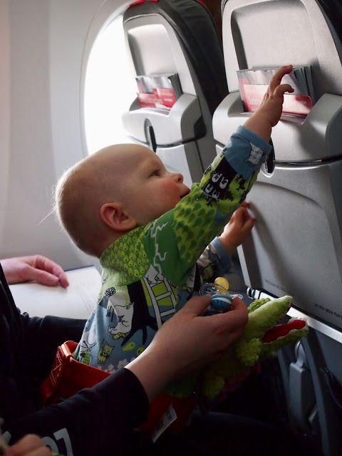 Lentokoneessa lasten kanssa. Olisi voinut mennä huonomminkin.