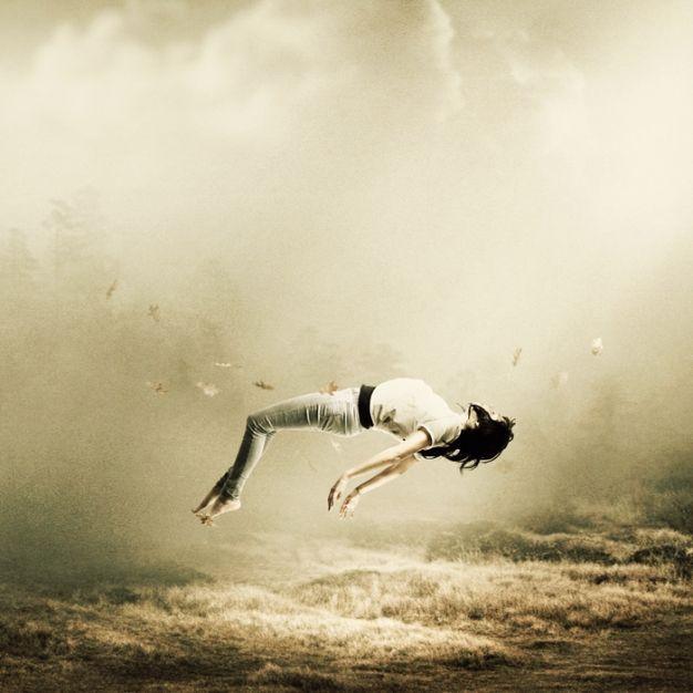 Wonderful levitation photography examples - Xaxor