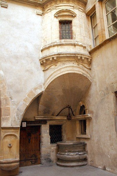 Lyon - Vieux Lyon - Quartier St Jean - Galerie Philibert de L'Orme