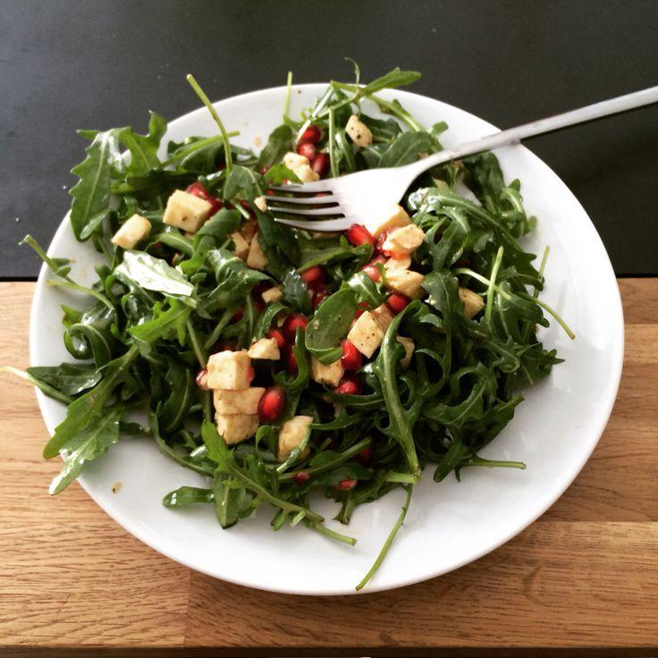 Ma salade préféré ! -roquette -grenade -mozza Ealthy time