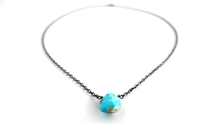 Necklace with a drop of Turquoise from India -Price:23€