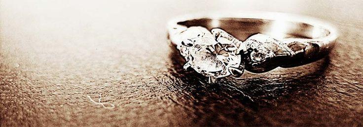 mange mænd giver en ring til kvinder i #gave | Shopsites.dk
