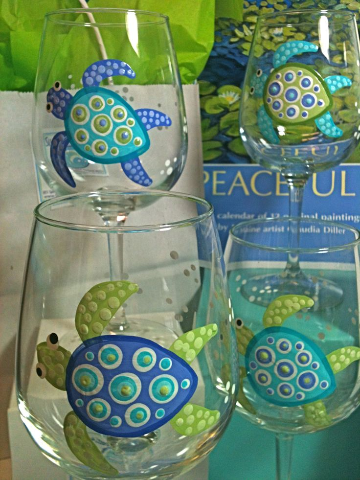 painted glassware...hmm...SEA TURTLES! I know some lovely peeps who would want one.