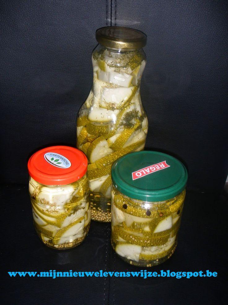 Courgette in het zuur (komkommers kan ook)