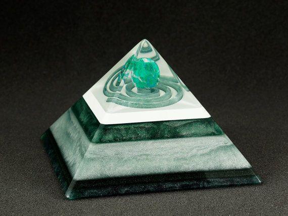 Quadrangular orgonite pyramid - Chrysocolla