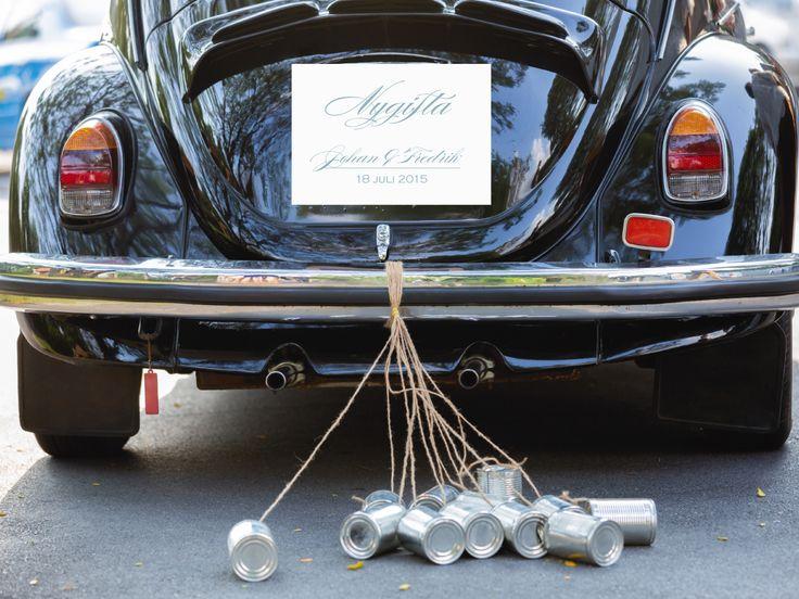 Nygifta-skylt för bröllopsekipaget. #calligraphenwedding #calligraphendetails #wedding #bröllop #carsigns #signs #decorations #nygifta #justmarried