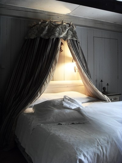 42 best images about ciel de lit on pinterest. Black Bedroom Furniture Sets. Home Design Ideas