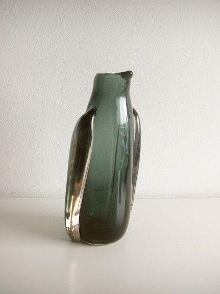 Willy Johansson kunstglass vase Pingvin