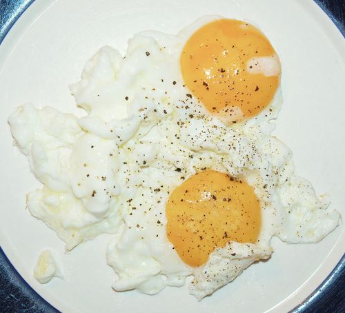 Get slim fast with these 7 simple tweaks! - Eat a breakfast that is rich in protein - http://www.urbanewomen.com/get-slim-fast-with-these-7-simple-tweaks.html