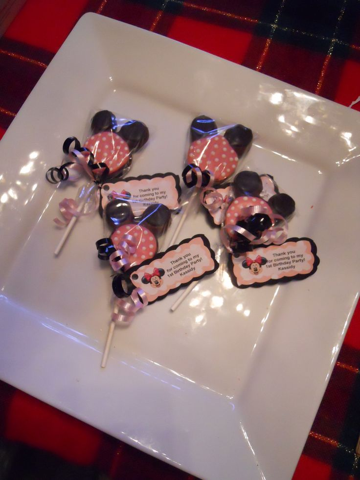 12 Disney Minnie Mouse Pink  polka dot Chocolate Oreo Cookie Pops Birthday gift Party Favor Kids. $16.00, via Etsy.