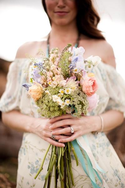 Bohemian Inspiration Shoot, wildflower bouquet. I really love wild flower bouquets! <3