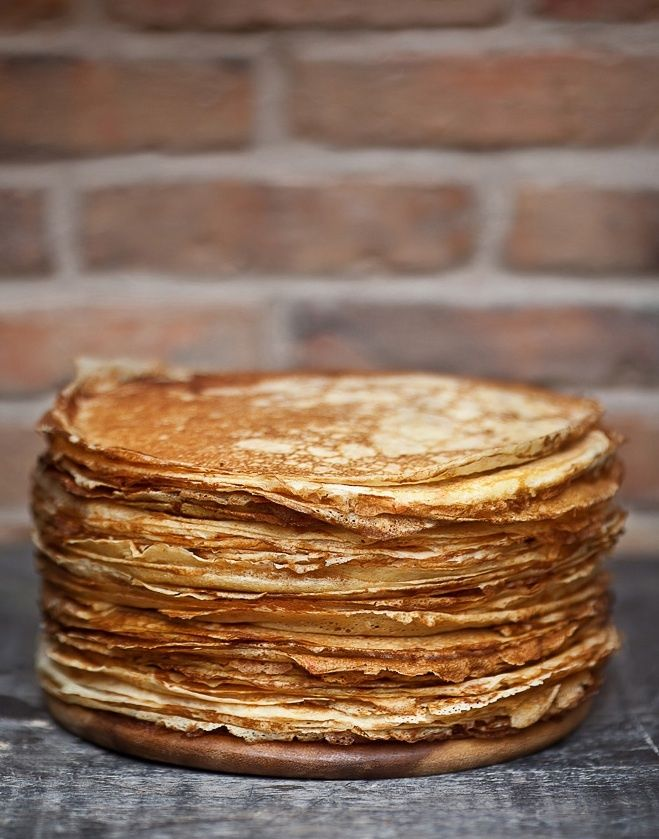 "The unavoidable French ""crèpes"" made with eggs, flour, milk, salt, and sugar #dessert #sweet #French"