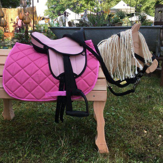 Rosa Sattelset U Halfter Mit Fuhrstrick U Putzburste Zubehor Holzpferd Holzpony Shetty Neu Wooden Horse Leather Backpack Leather