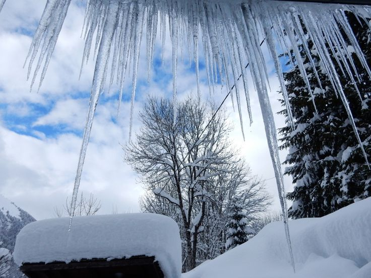 The mega icicles on Chalet Cannelle, Chatel