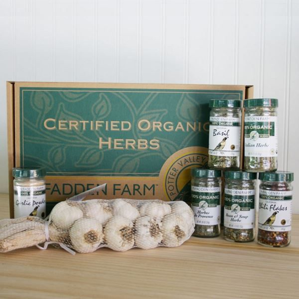 Organic Herb and Garlic Gift Box  $55: Gift Boxes, Herbs Blends, Boxes 55, Organic Herbs, Herbs Favorite, Garlic Powder, Garlic Braids, Garlic Gift, Herbs De