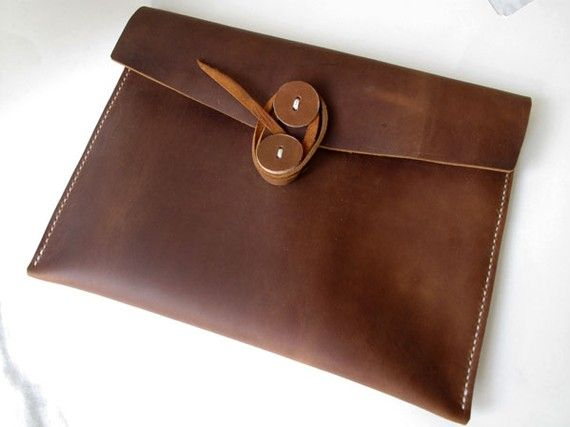 can someone pls buy me this amazing leather ipad case as a gift........oh and an ipad! ;)