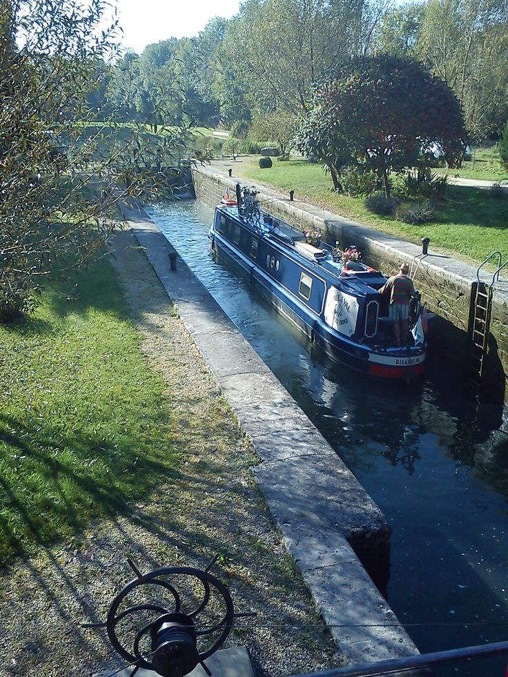 Ancy-le-Franc - canal de Bourgogne (Yonne 89) #fluvial #countryside #Yonne #France #burgundy